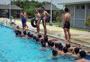 Dandenintel Pasmar 2 Pimpin Langsung Prajuritnya Latihan Renang
