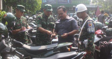 Cek Kelengkapan Administrasi, Kasdim Tulungagung Pimpin Pelaksanaan Pemeriksaan Kendaraan
