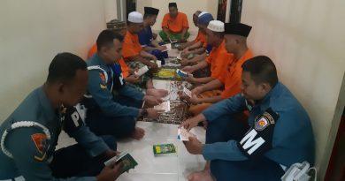 Pembinaan Personel Melalui Kegiatan Keagamaan   Bagi Tahanan Pomal Lantamal III