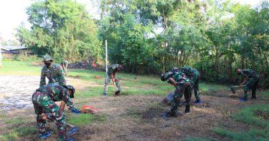 Prajurit Lapis Baja Resimen Kavaleri 2 Marinir Laksanakan Kerja Bakti