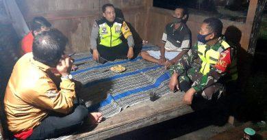 Anggota Koramil 06/Kwadungan Bersama Bhabinkamtibmas Laksanakan Patroli Malam