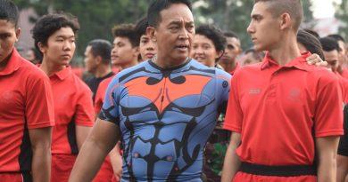 Olah Raga Bersama di Akademi Militer, Kasad :                                                                      Sayangi Anak Buah