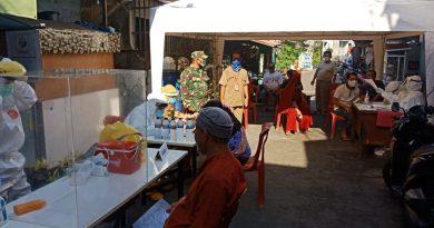 Pelda A. Rodi Dampingi Test Swab di Kelurahan Kartini