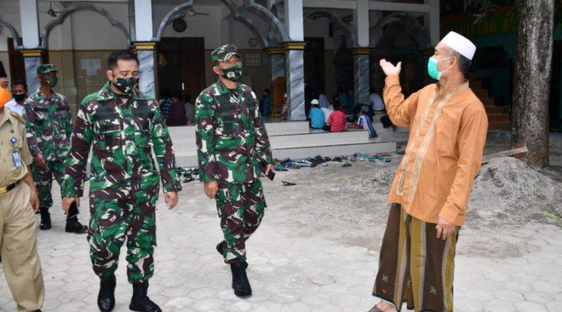 Danrem 081/DSJ Tinjau Penegakkan Protokol Kesehatan di Ponpes Darussalam Mekar Agung