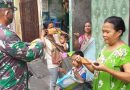 Babinsa 03/Senen Bagikan Masker Untuk Warga Kramat