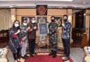 """Panglima TNI Terima Penghargaan Sebagai """"Positive News Maker"""" Tahun 2019"""