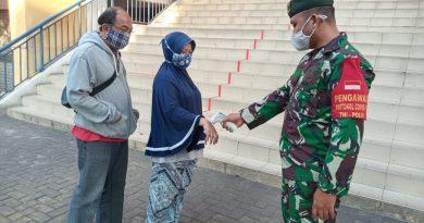 BKO Brigif 1/PIK Patroli Protokol Kesehatan di Pasar Johar Baru