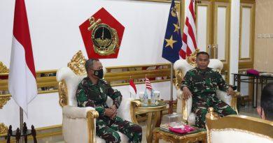 Dankoopssus  TNI, Kunjungi Markas Korps Marinir