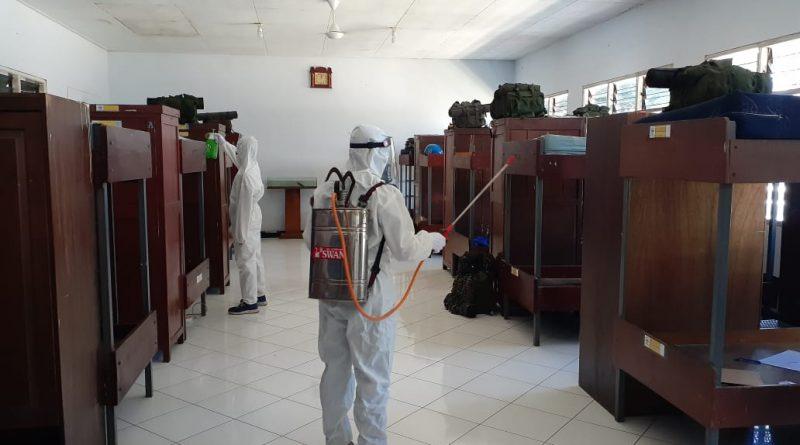 Cegah Covid 19 Prajurit Macan Kumbang Yontankfib 2 MarinirLaksanakan Penyemprotan Disinfektan