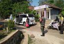 Anggota Koramil 07/Ngrambe Bersama Bhabinkamtibmas Dampingi Petugas Kesehatan Jemput Warga Tes Swab