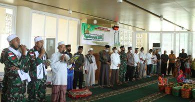 Bersama Masyarakat Perbatasan, Satgas Yonif 413 Kostrad Peringati Maulid Nabi Muhammad SAW 1442 H