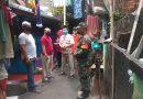 Bersama Lurah dan Gugus Tugas, Babinsa Koramil 01/Menteng Mediasi Penjemputan Pasien Covid – 19