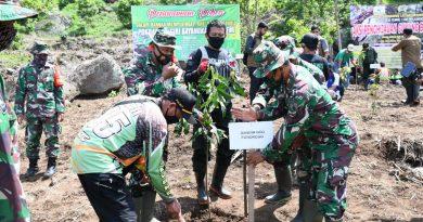 Peringati Hari Juang Kartika Tahun 2020, Kodim 0802/Ponorogo Gelar Bakti Sosial dan Penanaman Pohon