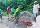 Bersama Warga Perbatasan RI-PNG, Satgas Yonif MR 413 Kostrad Bangun Jalan Kampung