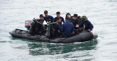 Marinir Terus Cari Korban dan  CVR Pesawat Sriwijaya Air