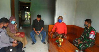 Terapkan PPKM, Anggota Koramil 13/Kedunggalar Bubarkan Warga Yang Akan Gelar Hajatan