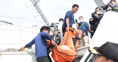 Marinir Masih Lakukan Pencarian Korban dan CVR Pesawat Sriwijaya Air