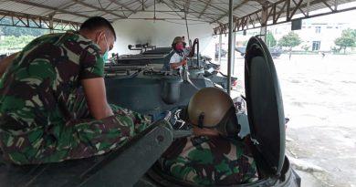 Pengecekan dan Operasional Alkom Ranpur Amfibi Yonranratfib 2 Marinir Pasmar 2