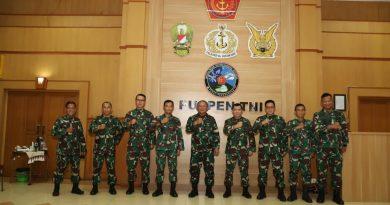 Kasum TNI Kunjungi Pusat Penerangan TNI
