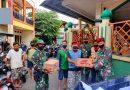 Kopassus Bagikan Sembako pada Korban Banjir di Desa Binaan