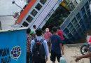 Pos TNI AL Pemangkat Bantu Evakuasi Penumpang Kapal Feri KMP Bili yang Terbalik di Dermaga Perigi Piai, Kalbar