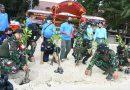 Danjen Kopassus Tanam 500 Mangrove dan Bagikan Sembako di Pulau Karya