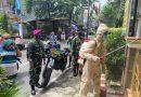 Babinsa Kemayoran dan PMI Sterilisasi Wilayah Serdang