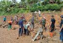 Tanggap Bencana, Koramil 0806/13 Dongko Laksanakan Kerja Bakti Singkirkan Longsoran Tanah