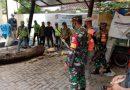 Babinsa Koramil 05 TA Pantau Penebangan Pohon Bersiko Tumbang di Kantor Kelurahan Petamburan