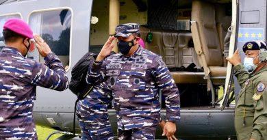 Kasal Tinjau Pusat Latihan Pertempuran Marinir di Malang Selatan