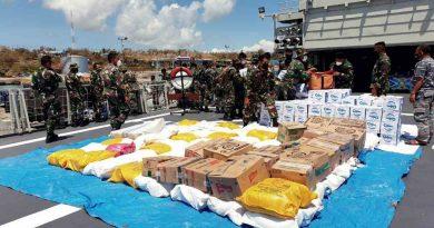 TNI Kerahkan KRI Ahmad Yani 351 Kirim Bantuan Kemanusiaan Untuk NTT