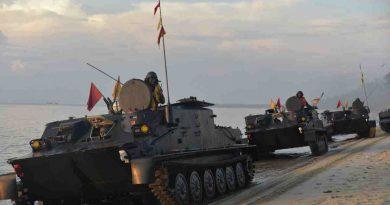 Pasukan Marinir Rebut dan Kembalikan  Dabosingkep Kepangkuan Ibu Pertiwi
