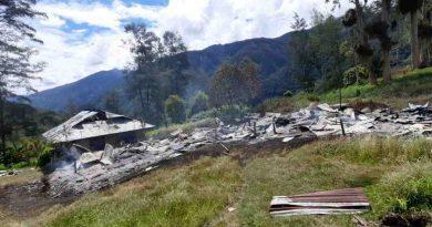 Selain Lumpuhkan Dunia Pendidikan, KKB Papua Melecehkan Adat di Papua