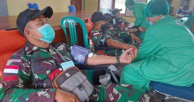 Bantu Ketersediaan Stok Darah, Satgas Pamtas Yonif 642 Donorkan Darah di Perbatasan