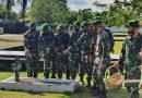 Kasiter Kasrem 173/PVB Pimpin Ziarah Rombongan Di TMP Cenderawasih Biak