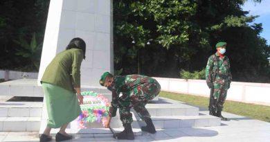 Peringati HUT Kodam  XVII/Cendrawasih, Kodim 1709/Yawa  Gelar Ziarah ke  Makam Pahlawan