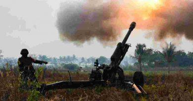 Dentuman Meriam Artileri Korps Marinir TNI-AL Hancurkan Pertahanan Musuh