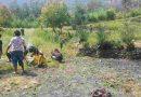 Bersama Masyarakat, Satgas Yonif RK 751/VJS  Bersihkan Jalan dan Kantor Desa di Distrik Kubu