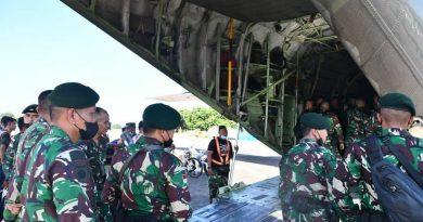 Pangdivif 3 Kostrad Lepas Keberangkatan Satgas Kosektor Timur Opersai Pamtas Mobile RI-PNG TA 2021