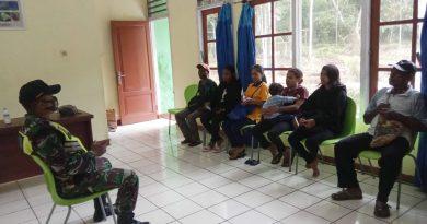 Pererat Silaturahmi Babinsa Komsos  Bersama Masyarakat Binaan