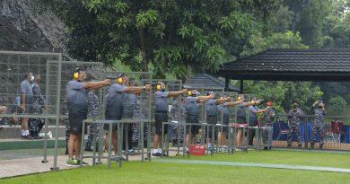 Tingkatkan Profesionalitas Dankormar serta Pejabat Utama Mako Kormar Latihan Menembak Pistol