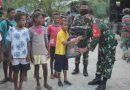 TNI Berbagi Tali Asih Pada Hari Idul Fitri di Kampung Mosso Papua