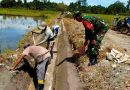 Wujud Kemanunggalan TNI-Rakyat, Babinsa Koramil 1705-02 Napan Karya Bakti Bersama Masyarakat Binaan