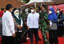 Danrem 081/DSJ Dampingi Panglima TNI dan Kapolri Tinjau Vaksinasi dan Posko PPKM Mikro di Madiun