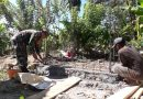 Sukseskan Program Jambanisasi, Babinsa Warbah Bantu Pembangunan MCK