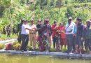 Posramil 1714-06/Tinginambut Dampingi Kunjungan Kepala Dinas Pemberdayaan Masyarakat Kampung di Distrik Tinginambut