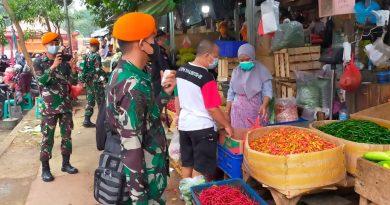 Babinsa Koramil 03/Senen Bersama Pasukan BKO Paskhas Monitoring Prokes St. Senen