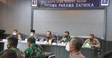 Dandim Ngawi Hadiri Rakor Dan Evaluasi Penanganan Covid 19 Di Wilayah Kabupaten Ngawi