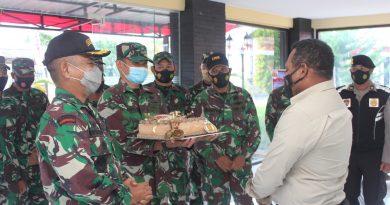 Wujud Sinergitas TNI POLRI Kodim 1708/BN Beri Kejutan Pada Polres Biak Numfor