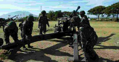 Baterai Armed Marinir dan Baterai Arhanud Marinir Laksanakan Pindah Stelling Dalam Latihan Satuan Lanjutan